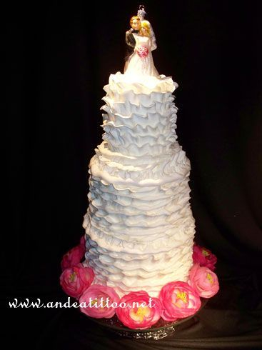 "New dummy cake! ""Ruffled"" an 8"", 6"" & 4"", would serve 44."